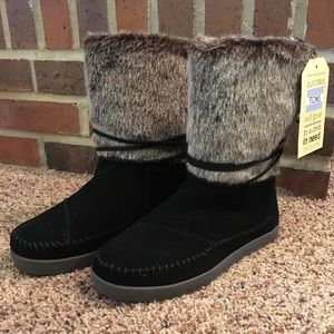 TOMS Black Suede Nepal Boot NWT
